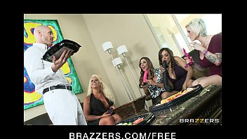 Hot Milfs Ariella Ferrera, Francesca Le And Alura Jenson Share Johnny's Dick 7 Min