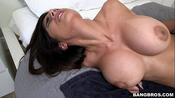 Huge Tits Mia Khalifa Reverse Cowgirl  5 Min-5132