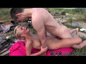 6 Min OUTDOOR FUCKING BY EURO AMATEUR COUPLE Xvideos.com Film
