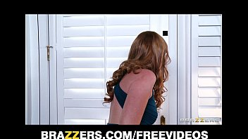 Masseur Santa Turns Into A Crazy Fucker When He Sees Redhead Marie Mccray 7 Min